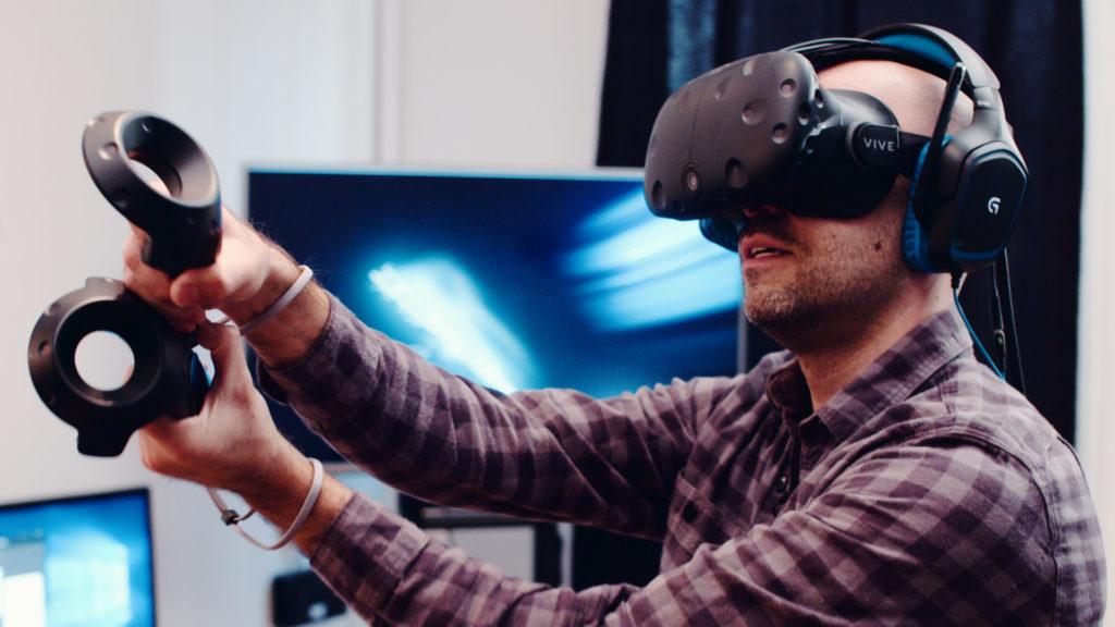 Реклама виртуальной реальности фото с пауком