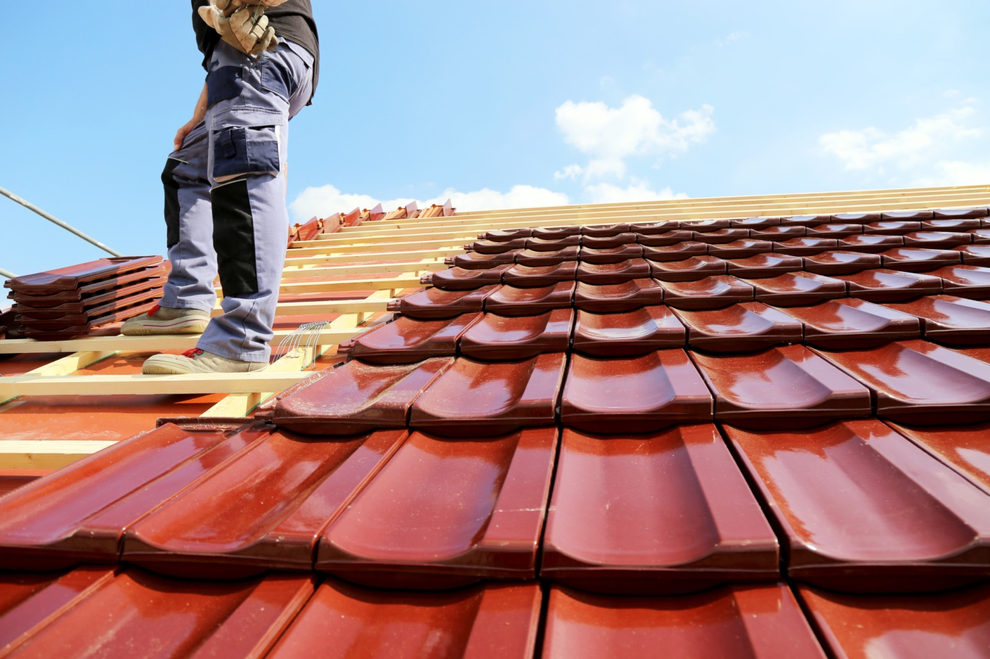 Why you need to hire Roofing Contractor - Imagup
